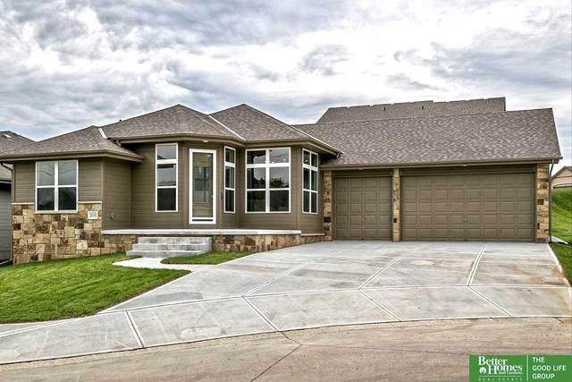 2010 Geri Circle, Bellevue, NE 68147 (MLS #22005512) :: Dodge County Realty Group