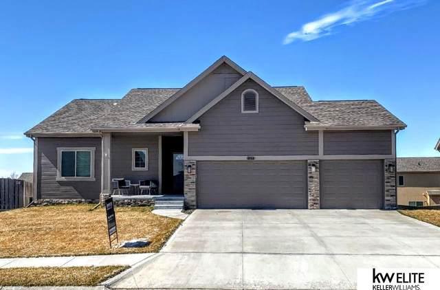 8904 N 161 Street, Omaha, NE 68007 (MLS #22005863) :: Dodge County Realty Group