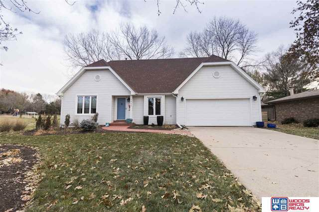 1425 Trelawney Drive, Lincoln, NE 68512 (MLS #22005954) :: Dodge County Realty Group