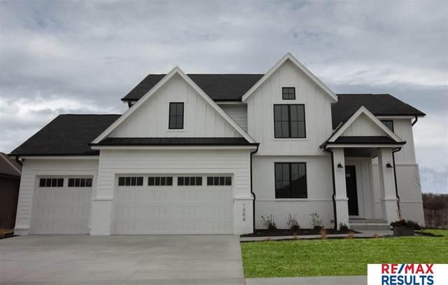 1304 S 210 Street, Omaha, NE 68022 (MLS #22006133) :: Dodge County Realty Group