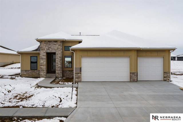 7366 N 170th Street, Bennington, NE 68007 (MLS #22006258) :: Complete Real Estate Group
