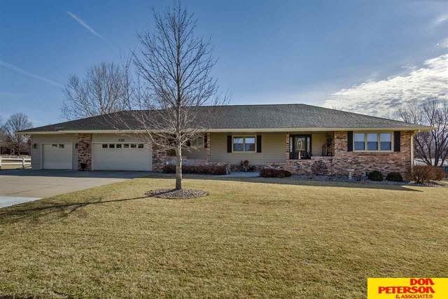 2812 Susan Street, Fremont, NE 68025 (MLS #22006328) :: Omaha Real Estate Group