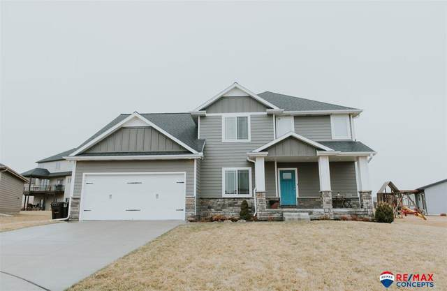 104 Park Drive Place, Hickman, NE 68372 (MLS #22006610) :: Lincoln Select Real Estate Group