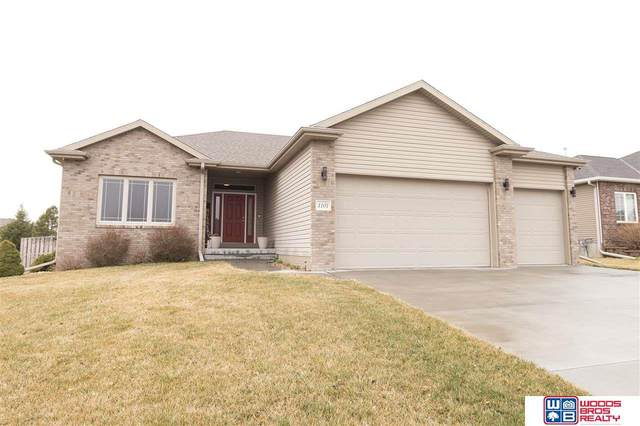 1101 N 96th Street, Lincoln, NE 68505 (MLS #22006765) :: Complete Real Estate Group