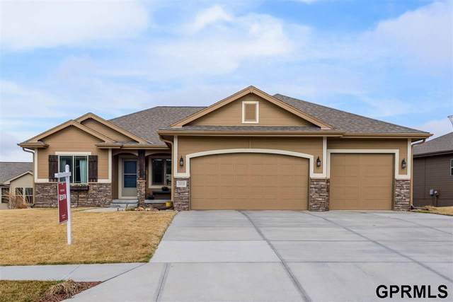 20520 Boyd Street, Omaha, NE 68022 (MLS #22006891) :: Dodge County Realty Group