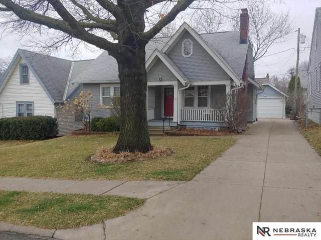 5820 Poppleton Avenue, Omaha, NE 68106 (MLS #22006951) :: Cindy Andrew Group