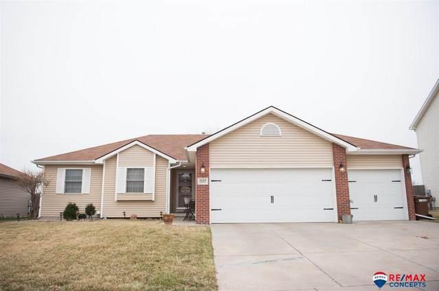 1635 Blackhawk Drive, Lincoln, NE 68521 (MLS #22007023) :: Dodge County Realty Group