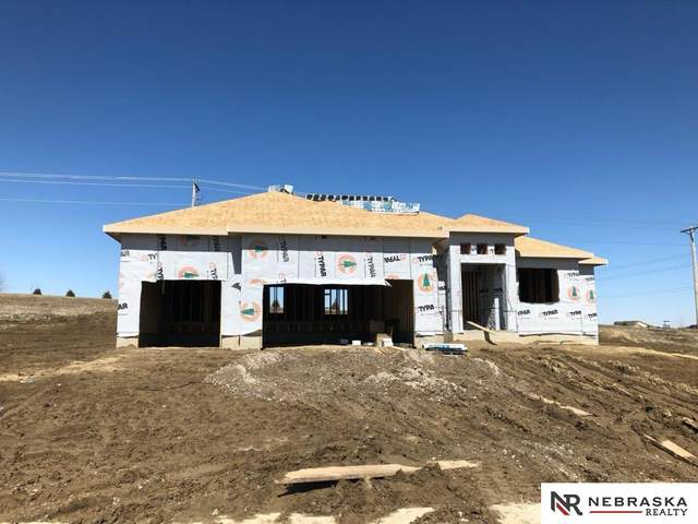 11302 Port Royal Drive, Papillion, NE 68046 (MLS #22007110) :: Dodge County Realty Group