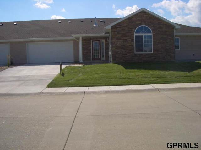 8715 N 160th Plaza, Bennington, NE 68007 (MLS #22007142) :: The Briley Team