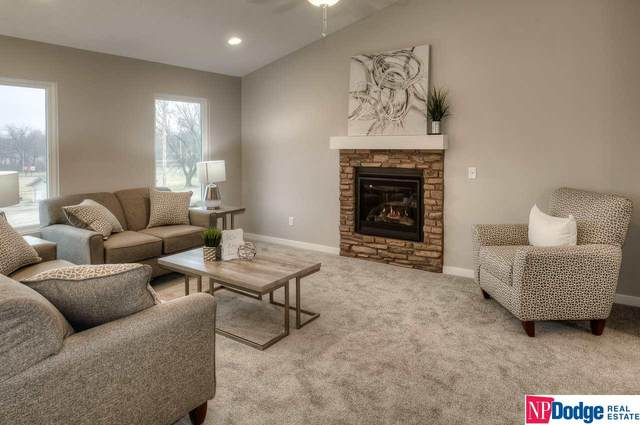 657 N 27 Street, Blair, NE 68008 (MLS #22007245) :: One80 Group/Berkshire Hathaway HomeServices Ambassador Real Estate