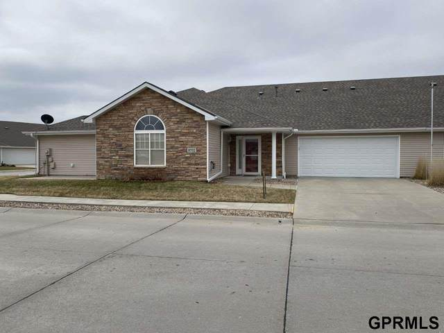 8702 N 161 Court, Bennington, NE 68007 (MLS #22007274) :: The Briley Team