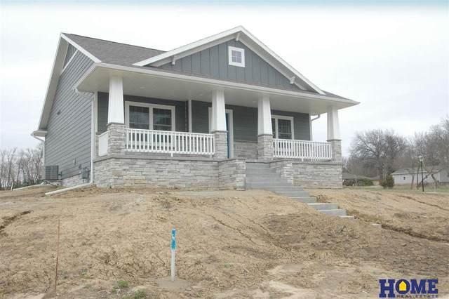 916 Hillcrest Drive, Seward, NE 68434 (MLS #22007310) :: The Briley Team
