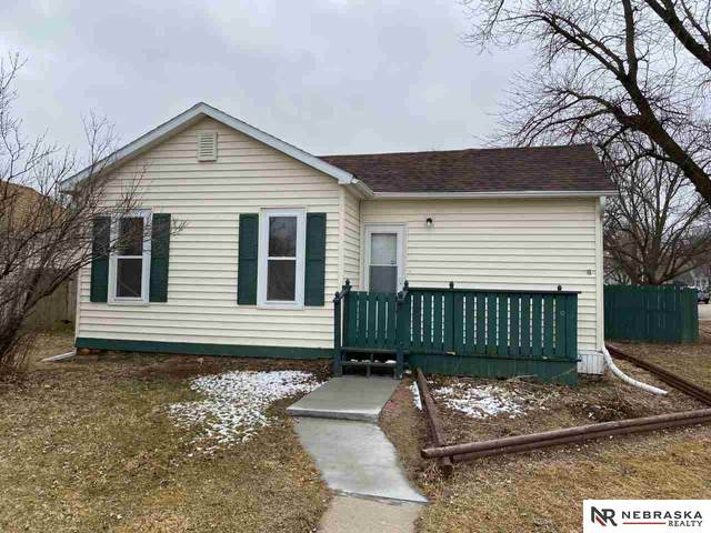 214 S 20th Street, Blair, NE 68008 (MLS #22007317) :: kwELITE