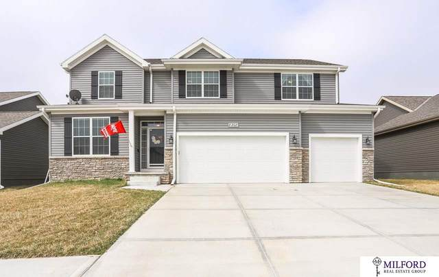 8208 N 172 Street, Bennington, NE 68007 (MLS #22007383) :: Complete Real Estate Group