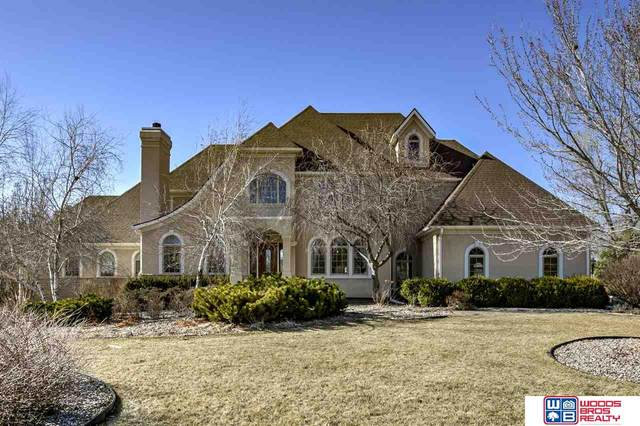 10001 Cromwell Drive, Lincoln, NE 68516 (MLS #22007425) :: Dodge County Realty Group