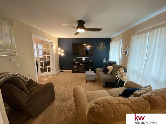 1510 Maenner Drive, Omaha, NE 68114 (MLS #22007460) :: Stuart & Associates Real Estate Group