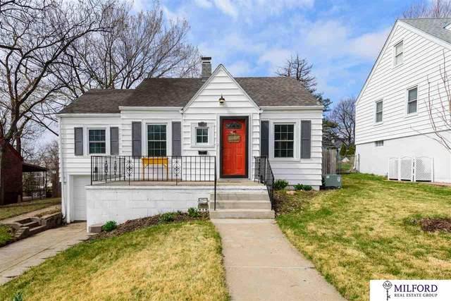 2140 S 61 Street, Omaha, NE 68106 (MLS #22007462) :: Capital City Realty Group