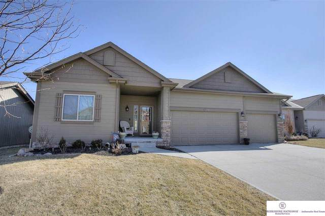 9311 S 168th Avenue Circle, Omaha, NE 68136 (MLS #22007500) :: Catalyst Real Estate Group