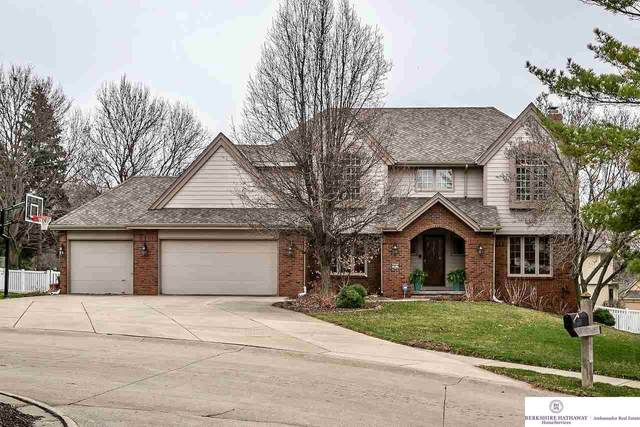 16611 Wright Circle, Omaha, NE 68130 (MLS #22007568) :: Catalyst Real Estate Group