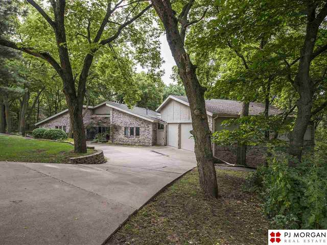 6034 Country Club Oaks Place, Omaha, NE 68152 (MLS #22007609) :: Dodge County Realty Group