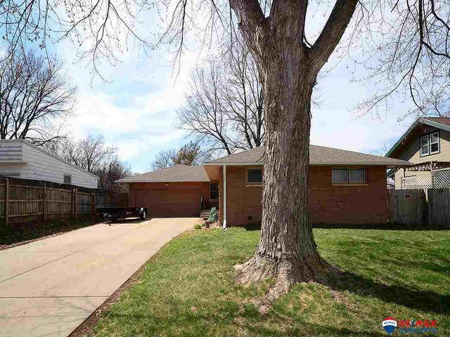 441 S 52 Street, Lincoln, NE 68510 (MLS #22007653) :: Cindy Andrew Group