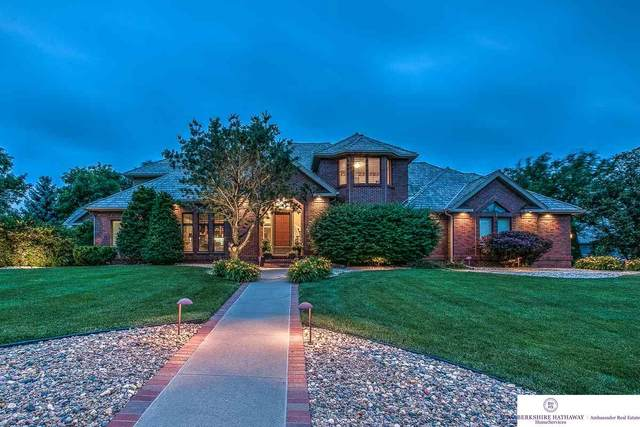 714 N 158 Street, Omaha, NE 68118 (MLS #22007675) :: Catalyst Real Estate Group