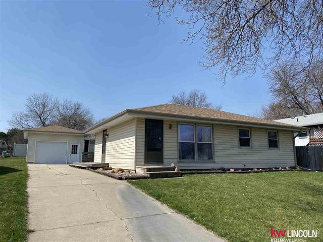 3821 N 20th Street, Lincoln, NE 68521 (MLS #22007718) :: kwELITE