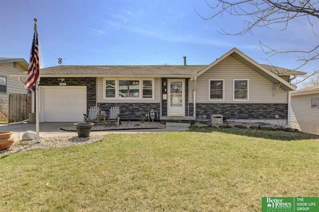 7317 Wood River Drive, Omaha, NE 68157 (MLS #22007728) :: kwELITE