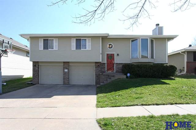 5418 S 78th Street, Lincoln, NE 68516 (MLS #22007740) :: kwELITE