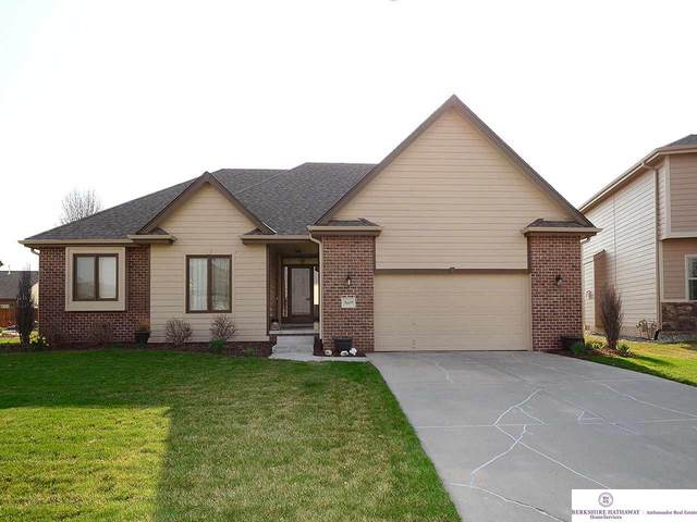 9609 S 172 Street, Omaha, NE 68136 (MLS #22007775) :: Dodge County Realty Group