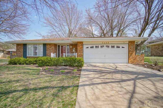 5208 S 62nd Street, Lincoln, NE 68516 (MLS #22007803) :: Dodge County Realty Group