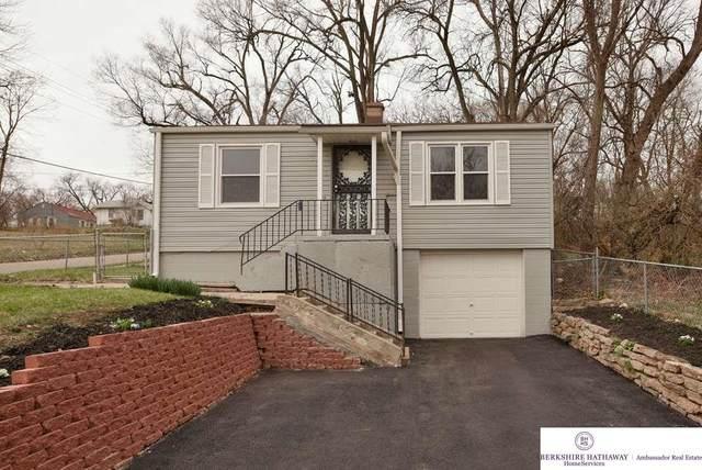 3902 N 38 Street, Omaha, NE 68111 (MLS #22007916) :: One80 Group/Berkshire Hathaway HomeServices Ambassador Real Estate