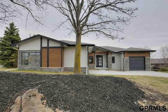 19134 Pinehurst Avenue, Elkhorn, NE 68130 (MLS #22007920) :: One80 Group/Berkshire Hathaway HomeServices Ambassador Real Estate