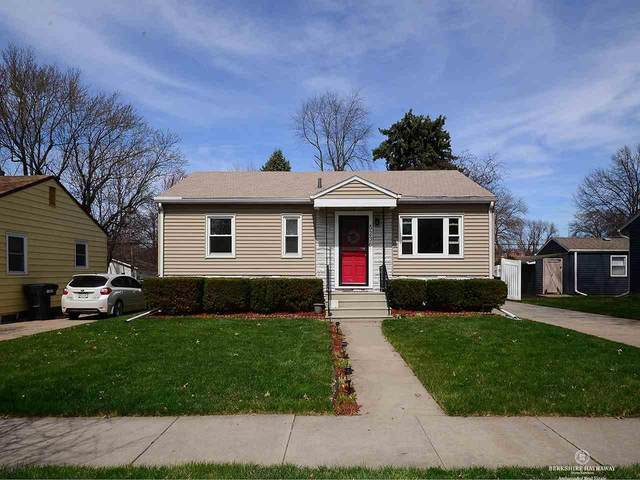5236 Myrtle Street, Lincoln, NE 68506 (MLS #22007941) :: Dodge County Realty Group
