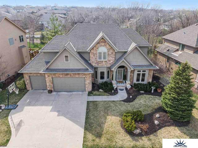 814 S 182nd Street, Elkhorn, NE 68022 (MLS #22008001) :: One80 Group/Berkshire Hathaway HomeServices Ambassador Real Estate