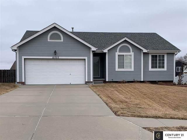 10707 S 18 Street, Bellevue, NE 68123 (MLS #22008008) :: One80 Group/Berkshire Hathaway HomeServices Ambassador Real Estate