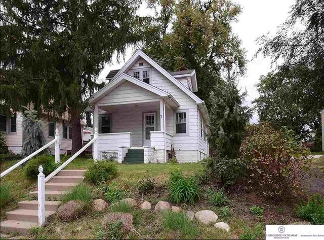 5824 Dorcas Street, Omaha, NE 68106 (MLS #22008034) :: Capital City Realty Group