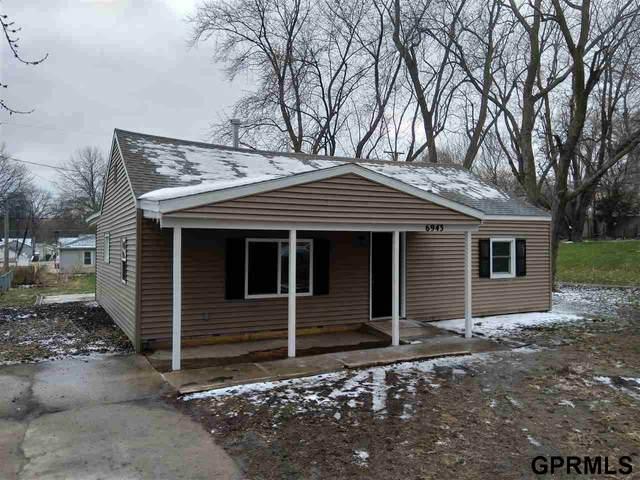 6943 Lafayette Avenue, Omaha, NE 68132 (MLS #22008064) :: One80 Group/Berkshire Hathaway HomeServices Ambassador Real Estate