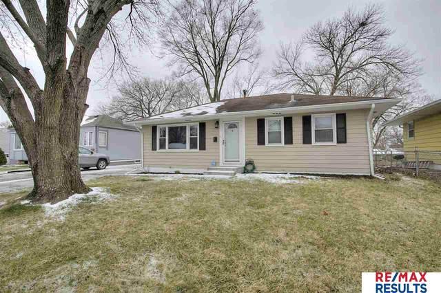 3032 S 38th Avenue, Omaha, NE 68105 (MLS #22008065) :: One80 Group/Berkshire Hathaway HomeServices Ambassador Real Estate