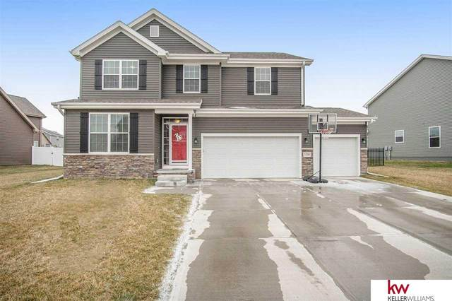11266 S 114 Avenue, Papillion, NE 68046 (MLS #22008082) :: One80 Group/Berkshire Hathaway HomeServices Ambassador Real Estate
