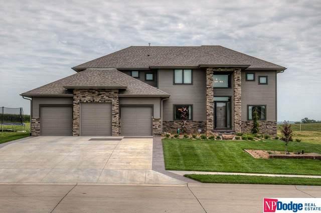 7703 N 167 Avenue, Bennington, NE 68007 (MLS #22008146) :: One80 Group/Berkshire Hathaway HomeServices Ambassador Real Estate