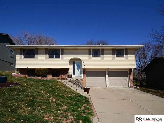12148 Erskine Circle, Omaha, NE 68164 (MLS #22008160) :: kwELITE