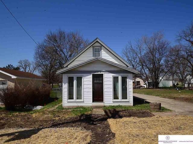 11422 N 156 Street, Bennington, NE 68007 (MLS #22008343) :: One80 Group/Berkshire Hathaway HomeServices Ambassador Real Estate