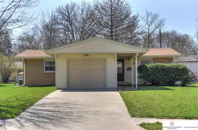 8773 Larimore Avenue, Omaha, NE 68134 (MLS #22008354) :: One80 Group/Berkshire Hathaway HomeServices Ambassador Real Estate