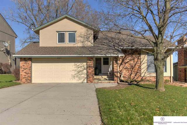 2029 S 164th Avenue, Omaha, NE 68130 (MLS #22008365) :: kwELITE
