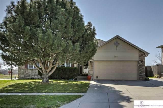 201 W Jennifer Drive, Lincoln, NE 68521 (MLS #22008393) :: Lincoln Select Real Estate Group