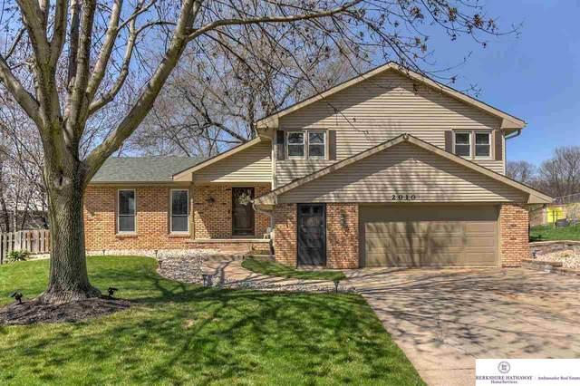 2010 S 139 Circle, Omaha, NE 68144 (MLS #22008443) :: The Briley Team