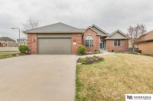 12020 S 49th Street, Papillion, NE 68133 (MLS #22008484) :: Lincoln Select Real Estate Group