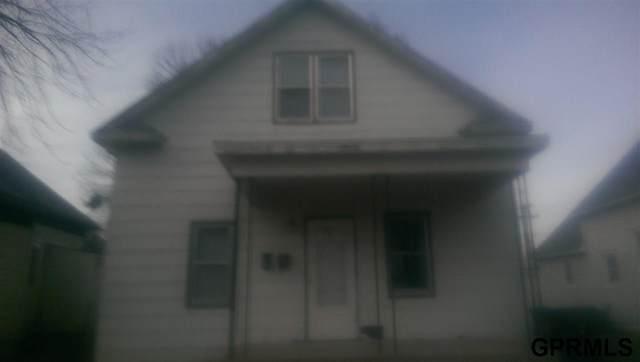 4305 N 61 Street, Lincoln, NE 68507 (MLS #22008737) :: One80 Group/Berkshire Hathaway HomeServices Ambassador Real Estate