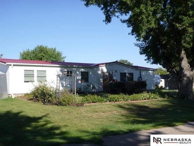 699 N Enfield Avenue, Giltner, NE 68841 (MLS #22008820) :: Dodge County Realty Group